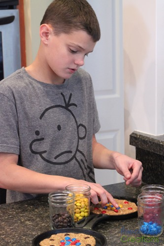 atomic-cookie-skillet-hands-on-learning-about-atoms-Homeschool-Creations-2015-3.jpg