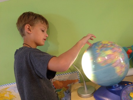 seeing how the sun lights the earth {%{% Homeschool Creations
