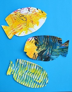 Fork-Painted-Fish-Art-for-Kids
