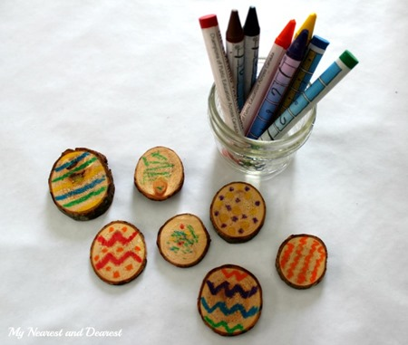 Melted-Crayon-Wood-Slice-Easter-Eggs.-What-a-neat-Easter-great.-Fun-for-all-ages