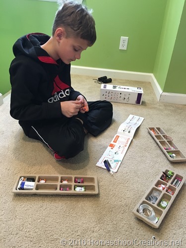 creating with the Little Bits deluxe kit