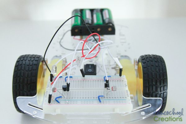 robotics-for-kids-q-the-robot-project-from-eeme-17