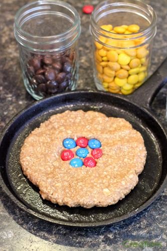 atomic cookie skillet - hands on learning about atoms {%{% Homeschool Creations 2015-2
