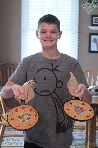 atomic cookie skillet - hands on learning about atoms {%{% Homeschool Creations 2015-5
