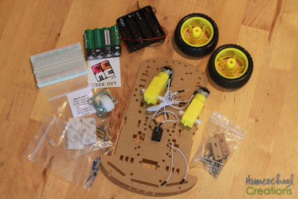 building-q-the-robot-robotics-for-kids-from-eeme-4