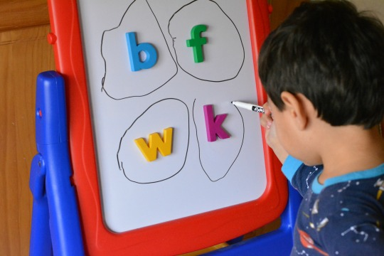 circle-the-magnetic-letter-activity